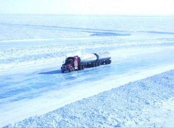 caminhões no gelo